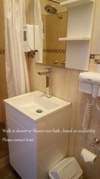 Text-Panorama-Jindabyne-Accommodation-Hotel-Renovated-Premium-Room-upper