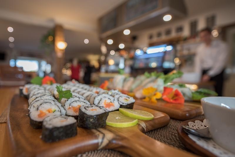 Best view-Panorama Cafe-Restaurant-Ski-Inn-Jindabyne-AccommdationSnowy 11