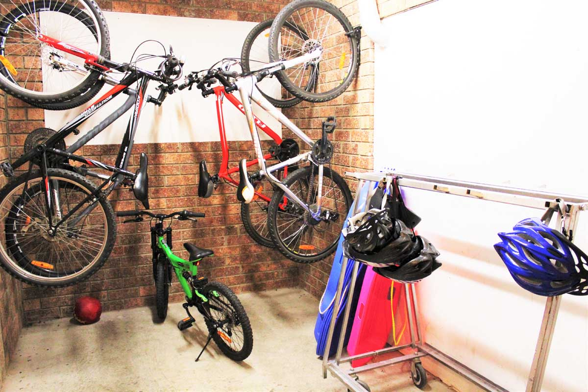 Ski-Inn-Jindabyne-Accommdation-Secure room Bike Ski Sport Equip